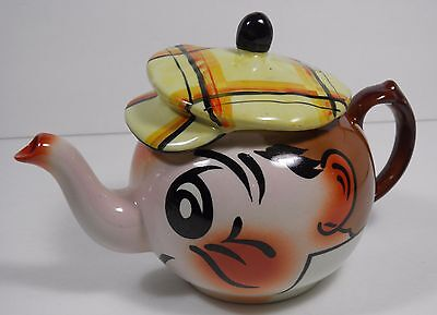 WADE HAND PAINTED ANDY CAPP FIGURAL TEAPOT ENGLAND GOLFER CADDY HAT VGC!