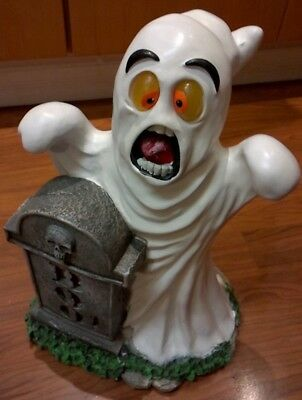 Scared Ghost with Tombstone Resin Statue  17