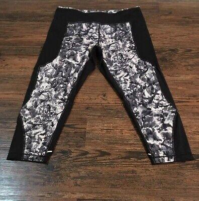 Zella Athletic Capri Pants Size Large Cropped Leggings Black White Abstract Mesh