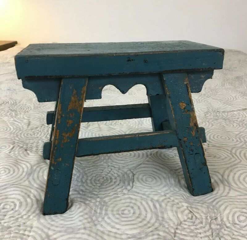 AAFA Unusual Primitive Antique Vermont Hardwood Footstool Original Blue Paint