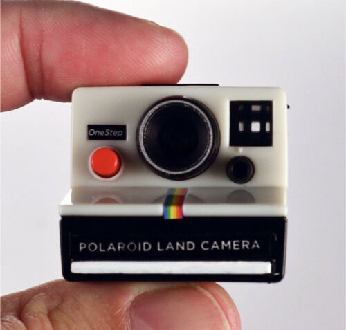 Worlds Coolest Smallest POLAROID LAND CAMERA Toy Miniature OneStep Keychain
