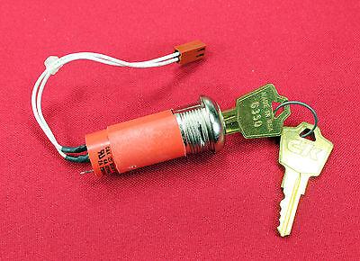 New C K 2 Y Series Key Switch 4a 125vac 2a 250vac - No Nut