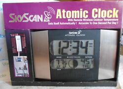 SKyScan Atomic Clock Remote Indoor Outdoor Calendar Moon Phase NEW