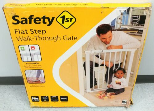 Safety 1st Flat Step Walk-Through Pressure Mounted Baby Gate New/Other