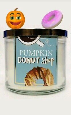 Bath & Body Works PUMPKIN DONUT SHOP 3 Wick - Sweet Bakery, Vanilla, Cake, Spice ()