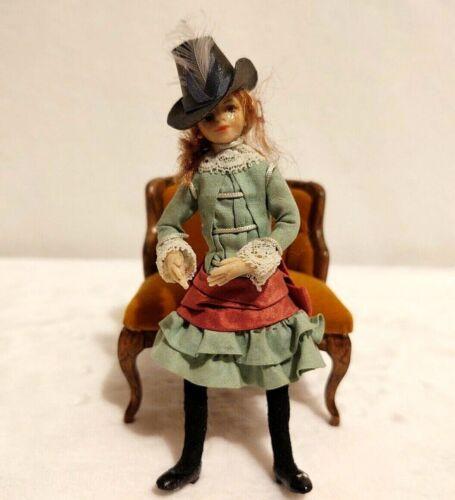 Miniature Doll Sculpt Girl Dollhouse 1:12