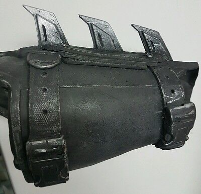 Custom made Arkham Origins Batman Gauntlet highly detailed limited edition