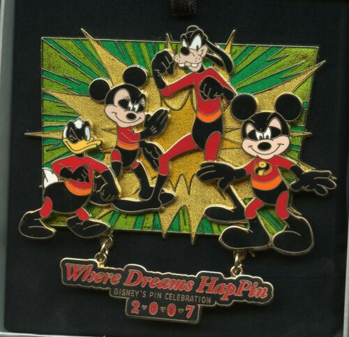 Disney Donald Duck Goofy Mickey & Minnie Mouse As Incredibles Event Jumbo LE Pin