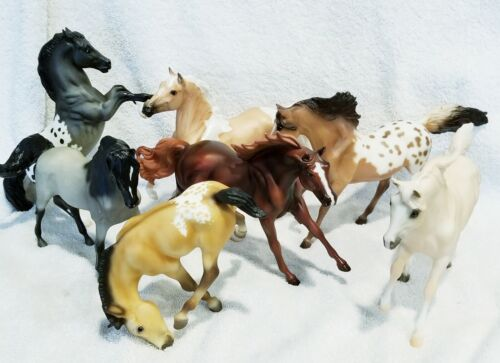 HEEHAW!! A WHOLE HERD OF MARKED BREYER HORSES!! GREAT CONDITION ON ALL 7!!