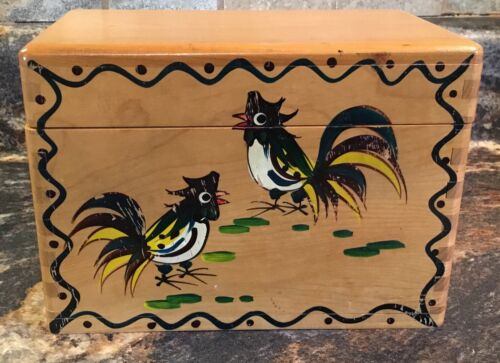 VINTAGE WOODPECKER WOOD WARE HAND PAINTED ROOSTER RECIPE BOX