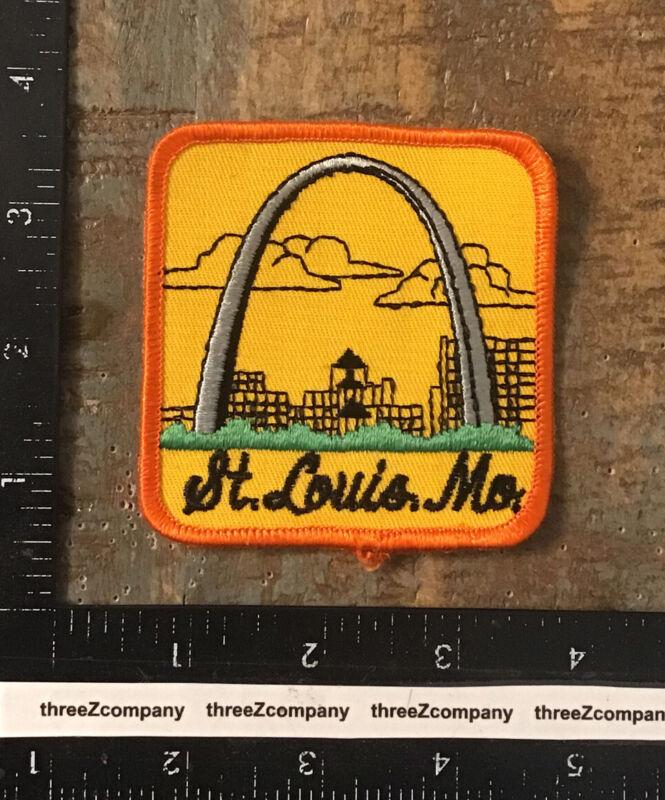 Vintage St. Louis Missouri Gateway Arch Travel Souvenir Patch MO