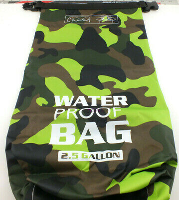 Camping Bag Hiking 2-1/2 Gallon Green Camo Waterproof Roll Top Rip Stop