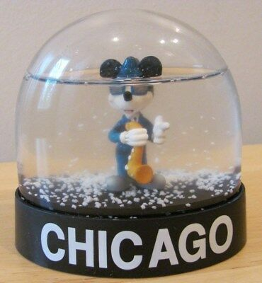 MICKEY MOUSE PLAYING SAXOPHONE CHICAGO SOUVENIR PLASTIC SNOW - Plastic Snow Globes
