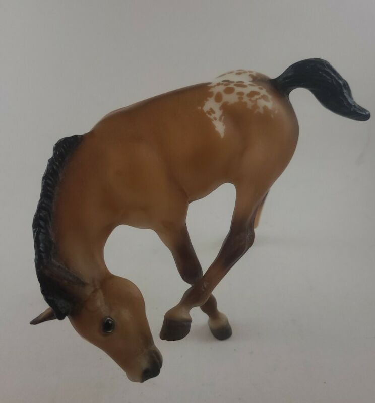 Breyer Horse Foal Scratching Pre-owned
