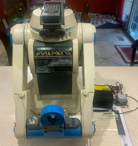 Vintage 1984 Maxx Steele electronic Robot by IDEAL ( Tested and Works)