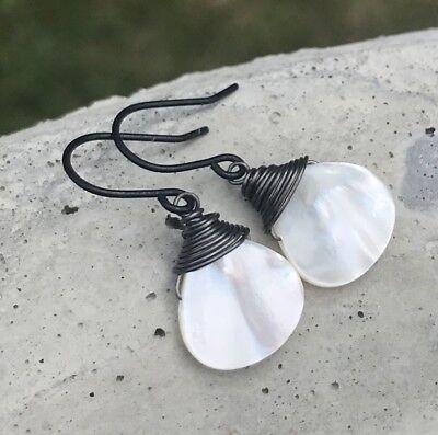(Min Favorit Mother Of Pearl Briolette & Black Iron Wire Wrap Artisan Earrings)