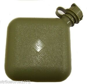 NEW-Genuine-US-Forces-Olive-Green-2-Quart-Collapsible-Water-Canteen-Unissued
