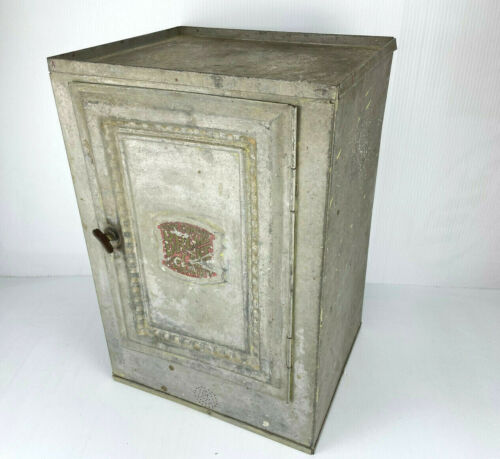 ANTIQUE METAL HOME COMFORT CAKE AND BREAD CABINET BOX W/ 2 SHELVES & LATCH!