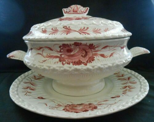 VINTAGE COVERED SOUP TUREEN AND UNDERPLATE MADE IN ITALY WITH PINK ROSES W1S7