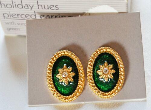 Vintage Avon ( HOLIDAY HUES ) Emerald Green Pierced Earrings NIB