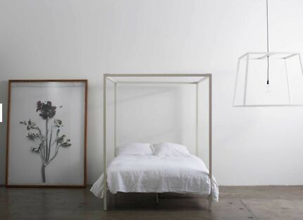 4 POSTER INCY INTERIORS QUEEN SIZE BED - QUALITY!