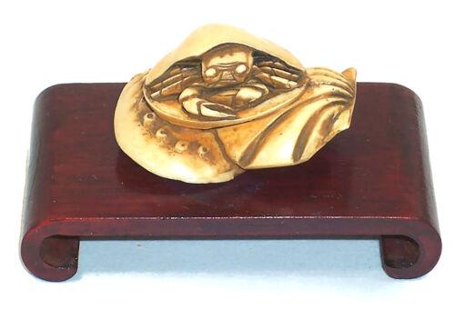 Peabody Essex Museum Replica NETSUKE CRAB, Hand Carved Resin, w/Wood Stand