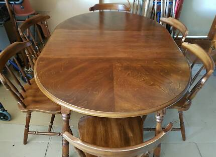 Dining Table Extending With 6 Chairs Colonial Style