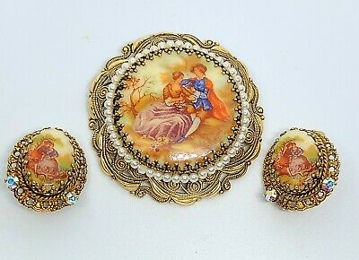 Vintage 40s W. Germany Fragonard Courting Couple Cameo Brooch + Earrings(AT139)*
