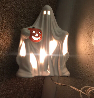 """Vtg Ceramic Halloween Ghost With Pumpkin Light Up Lamp 8.5"""" with 1 bulb Taiwan"""
