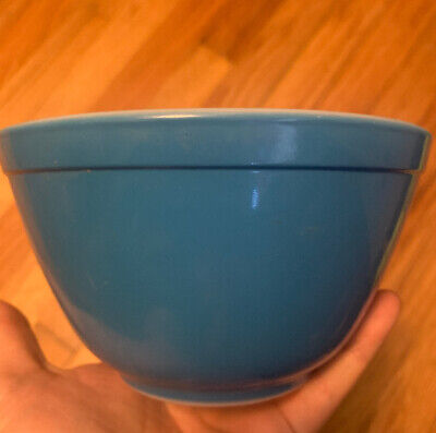 Vintage Pyrex Small Blue Stacking Mixing Nesting Bowl 1.5 Pt Primary Color -