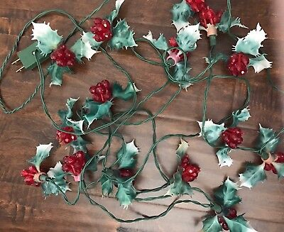 15 Vintage Christmas Holly Faceted Bead Berries Plastic Lights