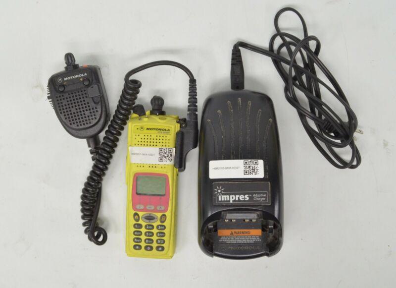 Motorola XTS 5000R Model III bundle with Motorola Handset and Charger
