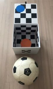 Offwhite x Nike Soccer Ball - New in collector box