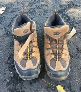 Boys Size 6 Hiking Shoes