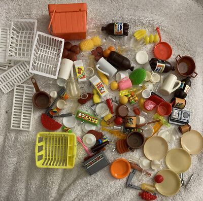 Large Lot of Vintage Barbie Sized/Arco Accessories Kitchen Food Dishes