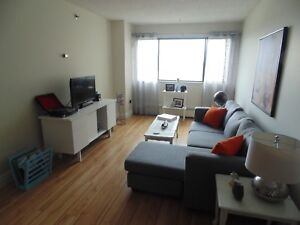 2 bedroom on Quinpool Road. $995 summer promo!
