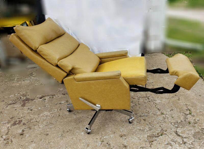 VINTAGE  LA-Z-BOY Office~desk Recliner Chair. MCM.1950s. Style 92012 la-z-boy.
