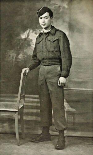 ORIGINAL - BRITISH ASIAN WW2 BRITISH SOLDIER PHOTO POSTCARD RPPC - SELDOM SEEN!