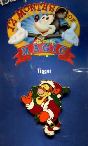 SANTA TIGGER 12 MONTHS OF MAGIC CHRISTMAS WREATH PIN DISNEY STORE