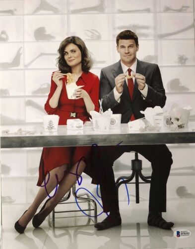 EMILY DESCHANEL DAVID BOREANAZ SIGNED 11X14 PHOTO BONES BECKETT BAS AUTOGRAPH A