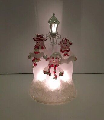 AMAZING ACRYLIC CHRISTMAS HOLIDAY SNOWMAN FAMILY CAROLERS LIGHTED FIGURE