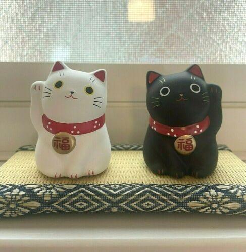 NEW pair Maneki Neko Japanese lucky cat fortune cat becking cat set ornament B W