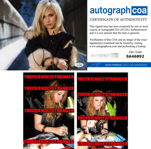 JUNO TEMPLE signed Autographed 8X10 PHOTO c PROOF - Hot SEXY Ted Lasso ACOA COA