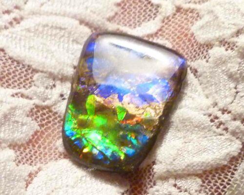 21 carats Purple, Blue, Green AMMOLITE Freeform Finished Gemstone 28.5x21.5mm