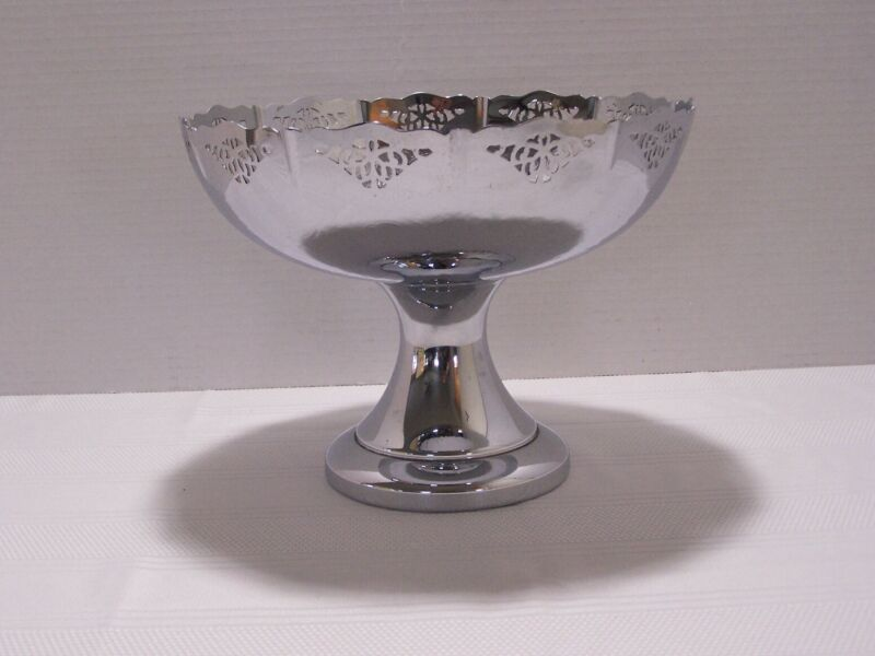 VNG Krome-Kraft Farber Bros. Ornate Pedestal Bowl Engraved Inside, Reticulate
