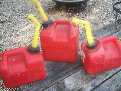 CHILTON P20 2 GALLON VENTED FUEL CAN AND,  2 P10  1 GAL 6 OZ CHILTON VENTED GAS