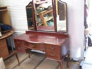 Queen Anne Dressing Table winged side mirrors. Huntfield Heights Morphett Vale Area Preview