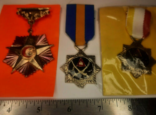 Iraqi Insignia Grouping MEDALS FROM 2003 3X