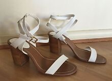 Novo White Block Heels - Size 8 $20 Greenwith Tea Tree Gully Area Preview