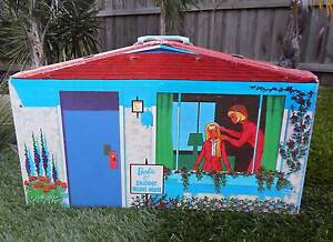 Vintage Barbie and Skipper Deluxe Doll House - Carry Case POST Narre Warren Casey Area Preview